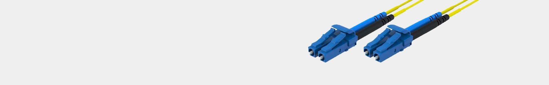 Cavi in fibra ottica con il connettore necessario in Avacab